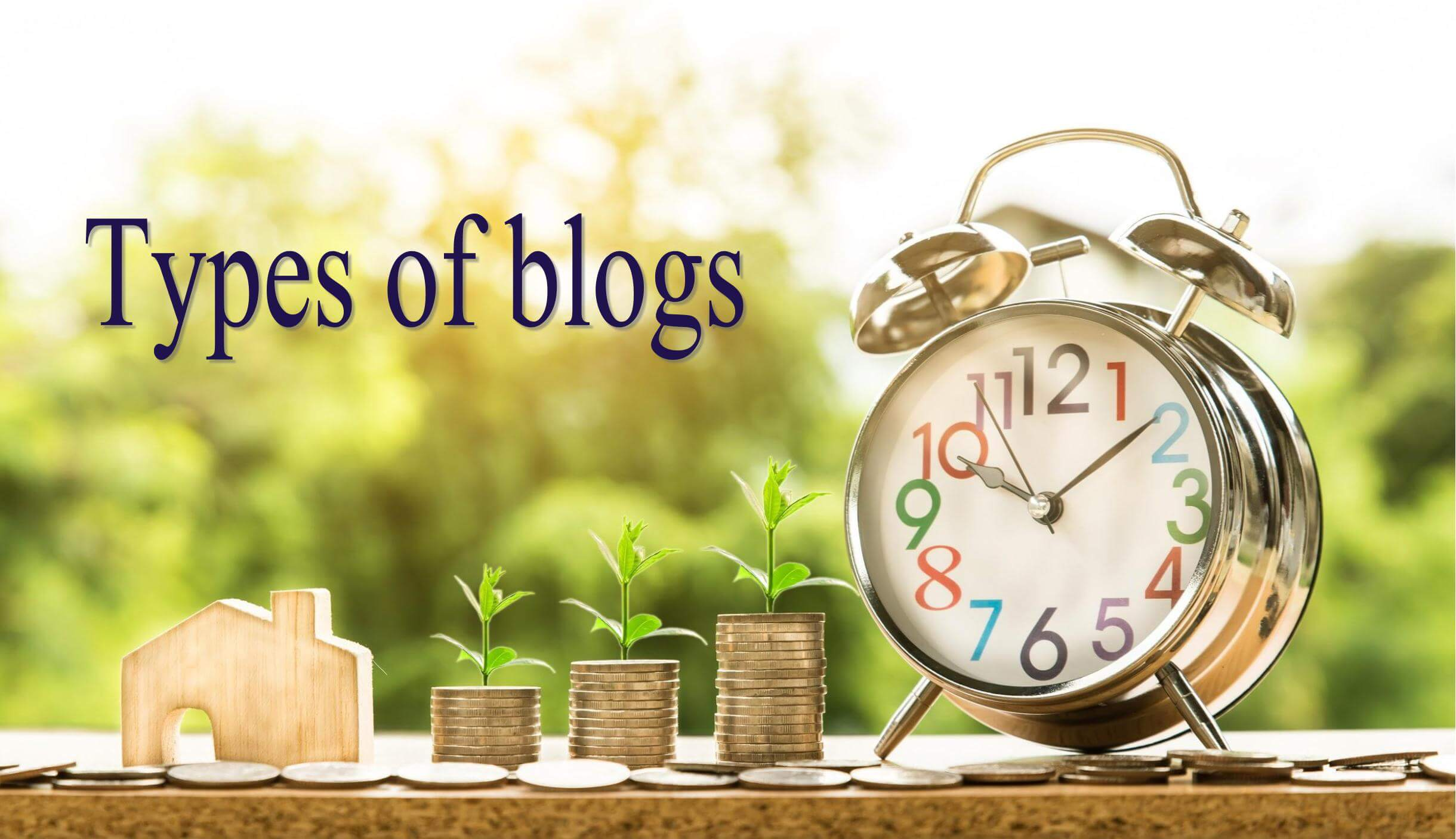 コインと目覚まし時計「Types of blogs」
